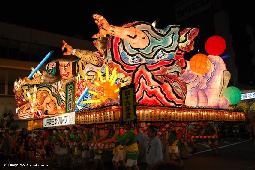 Nebuta-Floß auf dem Aomori Nebuta Festival