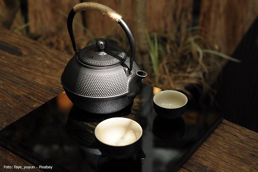 Tetsubin als Teekanne mit schönem Muster