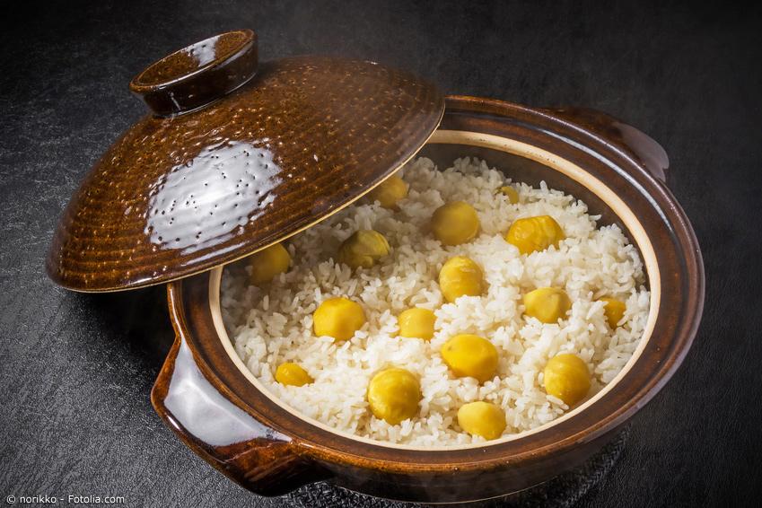 Japanisches Gericht mit Reis und Kastanien