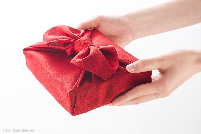 Geschenke überreichen in Japan