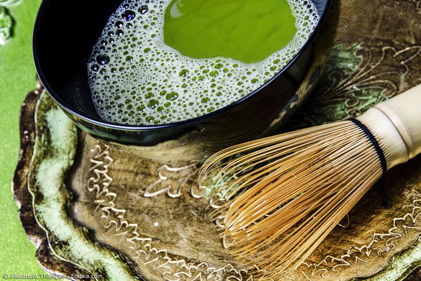 Die vielen reichhaltigen Inhaltsstoffe von Grüntee fördern die Gesundheit, denn grüner Tee ist reich an Mineralstoffen, Vitaminen und Spurenelementen.