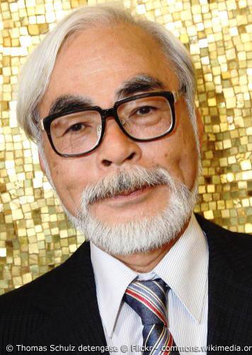 Hayao Miyazaki gilt als Gott der japanischen Animation. Er ist Mitbegründer des legendären Studio Ghibli und schuf unzählige Meisterwerke japanischer Animationskunst.
