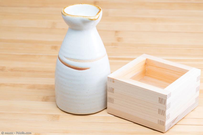 japanische badekultur und das hinoki holz. Black Bedroom Furniture Sets. Home Design Ideas