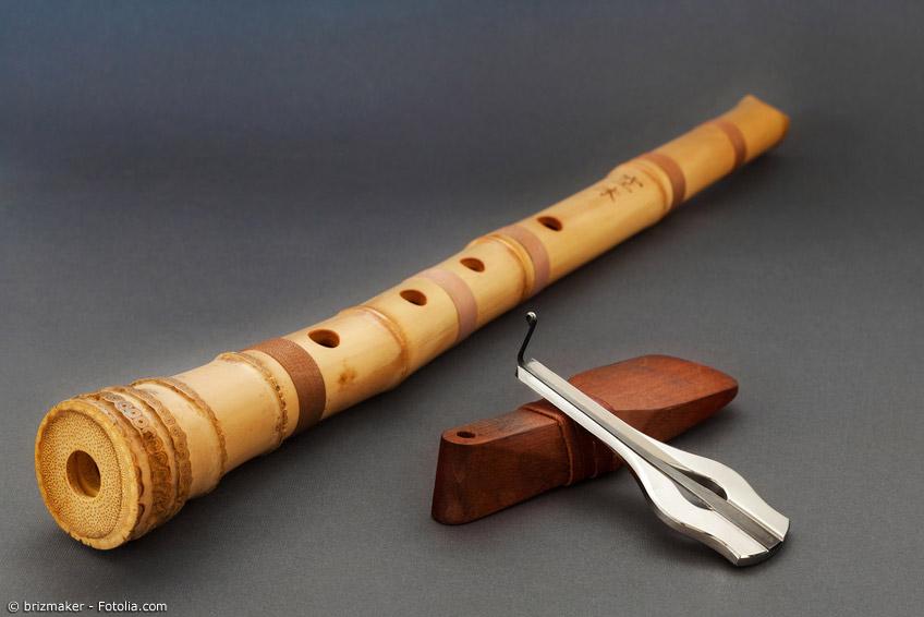 Die Shakuhachi ist eine Bambusflöte mit fünf Grifflöchern.