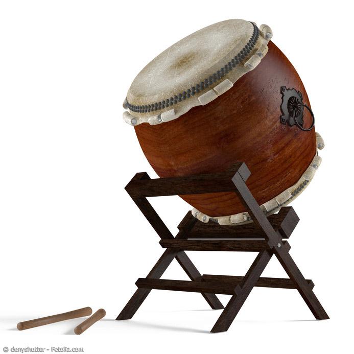 Weithin bekannt durch Truppen wie YAMATO ist die Taiko - die japanische Trommel. Diese kann bis zu zwei Meter Durchmesser besitzen.