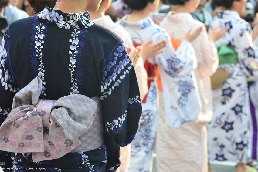 Manche Conventions bieten ein Matsuri, ein japanisches Fest, bei dem traditionell Yukata getragen werden. Doch auch ohne Matsuri sieht man auf vielen Conventions Menschen im Kimono oder Yukata.
