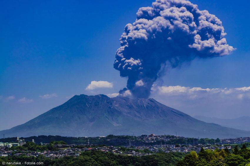 Vulkanausbrüche gehören in Japan zu den häufigeren Phänomenen. Immerhin gibt es etwa 40 aktive Vulkane auf den Inseln.