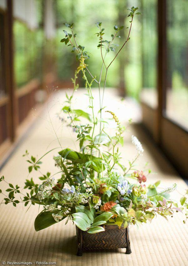Ikebana die japanische kunst des blumensteckens for Japanische blumenkunst
