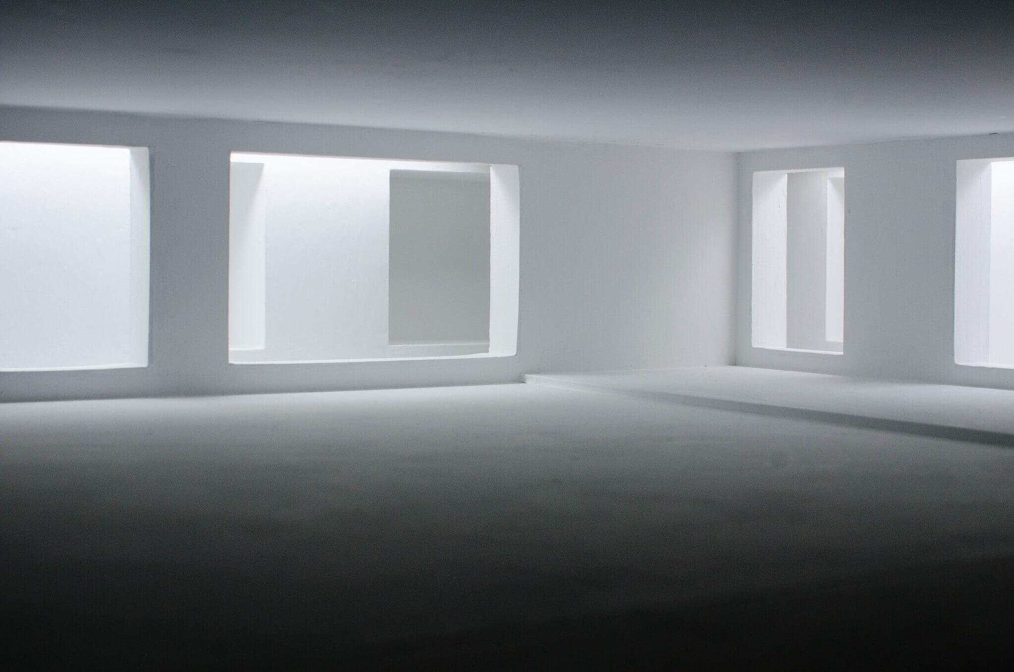 Leere und aufgeräumte Zimmer stehen für den Kanso-Stil
