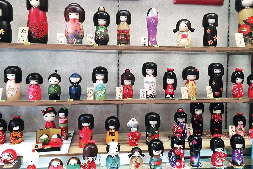 Moderne Kokeshi Dolls