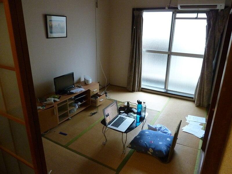 Modernes japanisches Zimmer mit Tatamis
