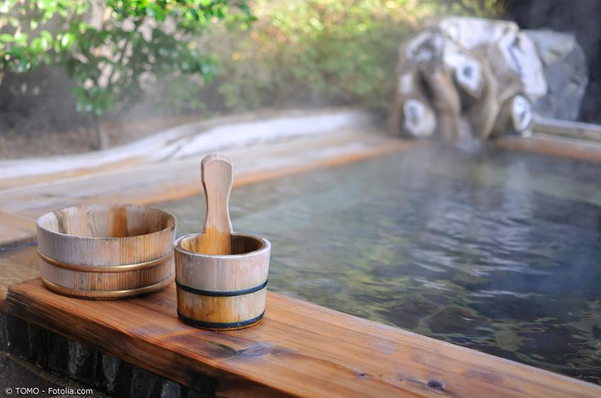 Onsen Bad im japanischen Hotel