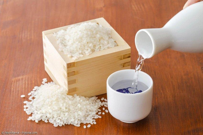 Zur Herstellung von Sake braucht man speziellen Sake-Reis, der stärker poliert wird als normaler Speisereis. Die kostbarste Sorte ist der Yamada Nishiki.