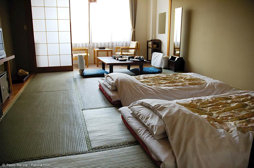 Ryokan Hotelzimmer mit Futons und Tatami