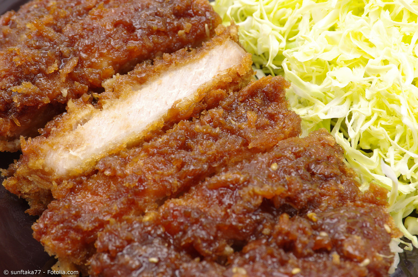 Sauce Tonkatsu Nahaufnahme vom saftigen Fleisch