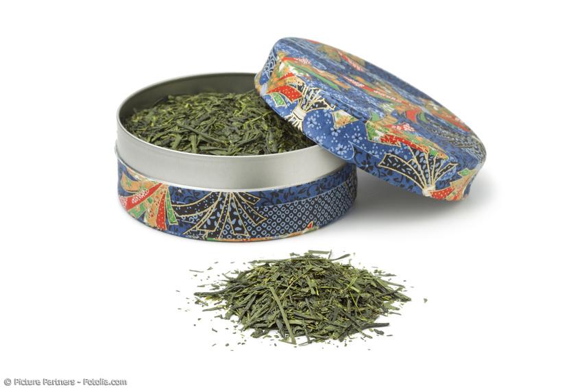 Kleine Teedose mit Washi Papier und Sencha Tee