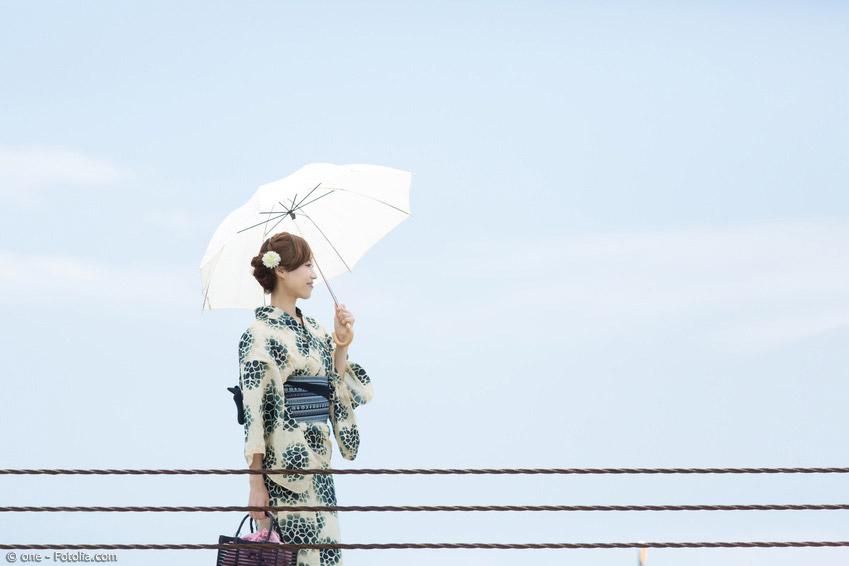 In Japan gibt es längst nicht mehr nur die traditionellen Schirme aus Bambus und Papier. Mittlerweile haben sich auch westliche Modelle durchgesetzt.