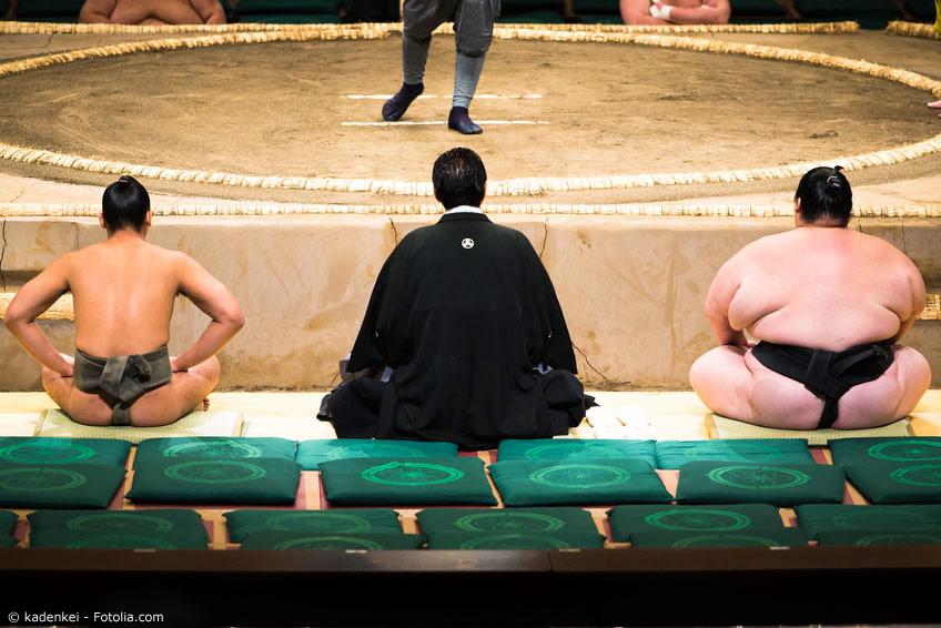 Es ist nicht ungewöhnlich, dass ein Sumoringer auf einen Gegner trifft, der das Doppelte seiner eigenen Masse hat. Hier kommt es vor allem auf die richtige Technik an, um zu siegen.