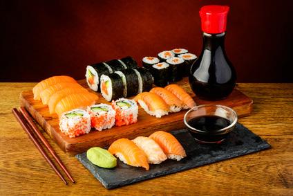 sushi selbst machen einfach lecker. Black Bedroom Furniture Sets. Home Design Ideas