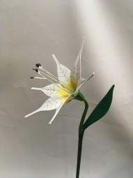 Handgefertigte Holzblumen