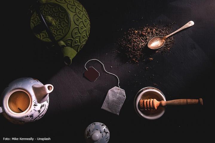 Gusseisenkanne oder Porzellan-Teekanne - eine Entscheidungshilfe
