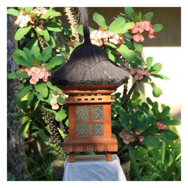 bali leuchte aus holz steinlaternen garten japanwelt. Black Bedroom Furniture Sets. Home Design Ideas