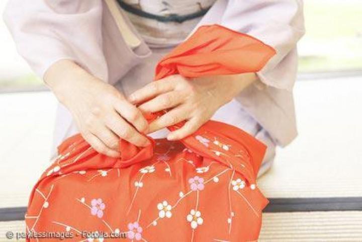 Furoshiki - mehr als ein japanisches Handtuch