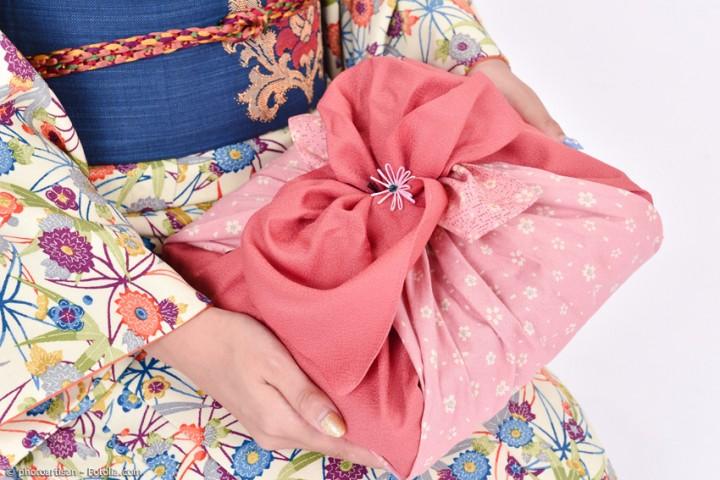 Furoshiki – das einfache Tuch mit vielen Facetten