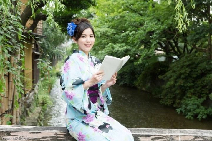 Japanische Literatur: Bücher und japanische Schriftsteller im Wandel der Zeiten