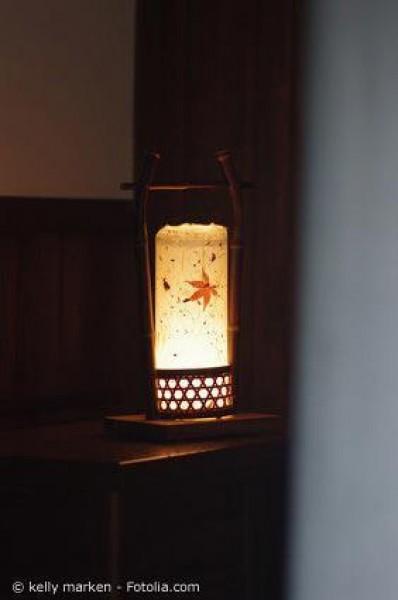 Japanische Stehlampen als Schmuck für jede Wohnung entdecken