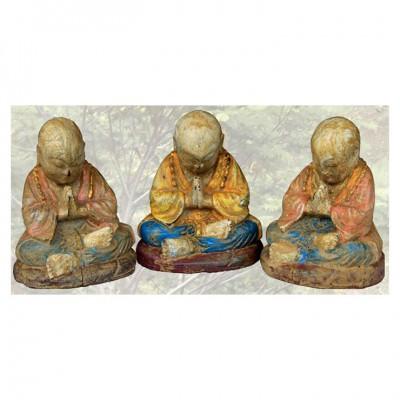 Kleiner betender Mönch