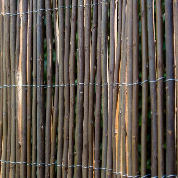 sichtschutz bambus weide kreatives haus design. Black Bedroom Furniture Sets. Home Design Ideas
