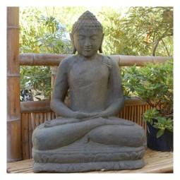 Sitzender Buddha, aus Lavastein