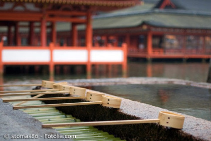 Rituale beim Schreinbesuch: Das machen Japaner im Tempel