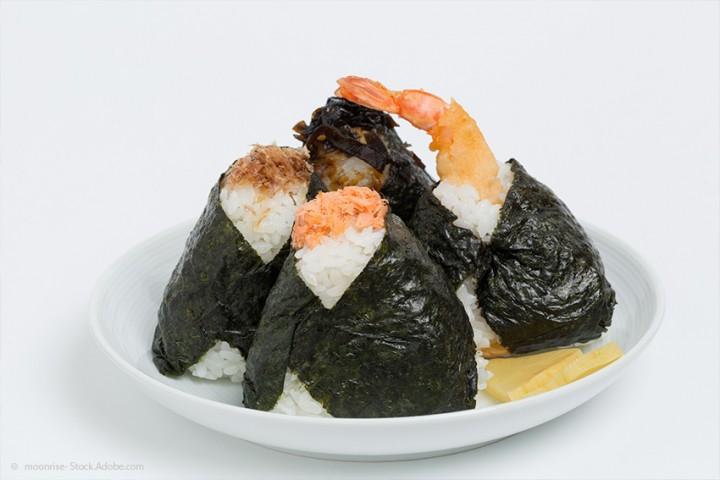 Tenmusu Rezept aus Aichi: Die frittierte Garnele im Onigiri-Mantel