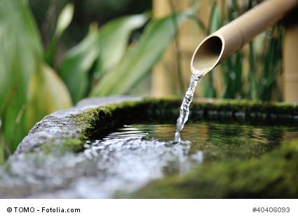 Wasserspiel aus Bambusrohren