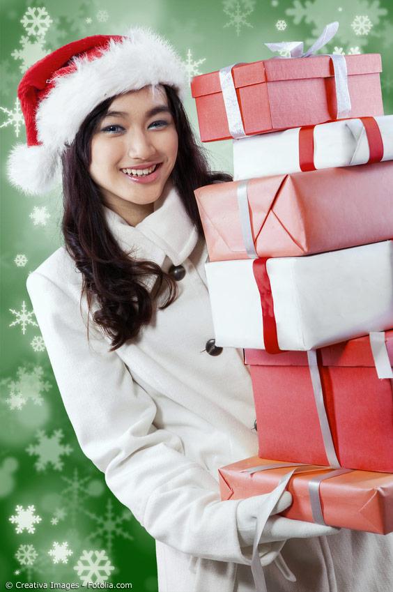 Weihnachtsgeschenke rechtzeitig bestellen und Japanfans zum Fest glücklich machen. Einfach jetzt bei Japanwelt tolle Präsente bestellen.