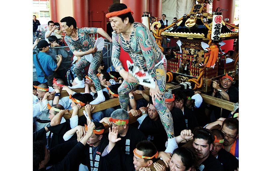 Yakuza-Schrein in Asakusa - japanische Tätowierungen