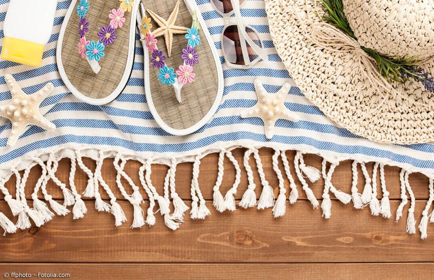 Zimtlatschen sorgen im Sommer für ein angenehmes Fußklima, reduzieren eventuelle störende Gerüche und fördern sogar die Durchblutung. Außerdem gibt es sie in vielen verschiedenen Designs - so passen sie immer zum Lieblingsoutfit.