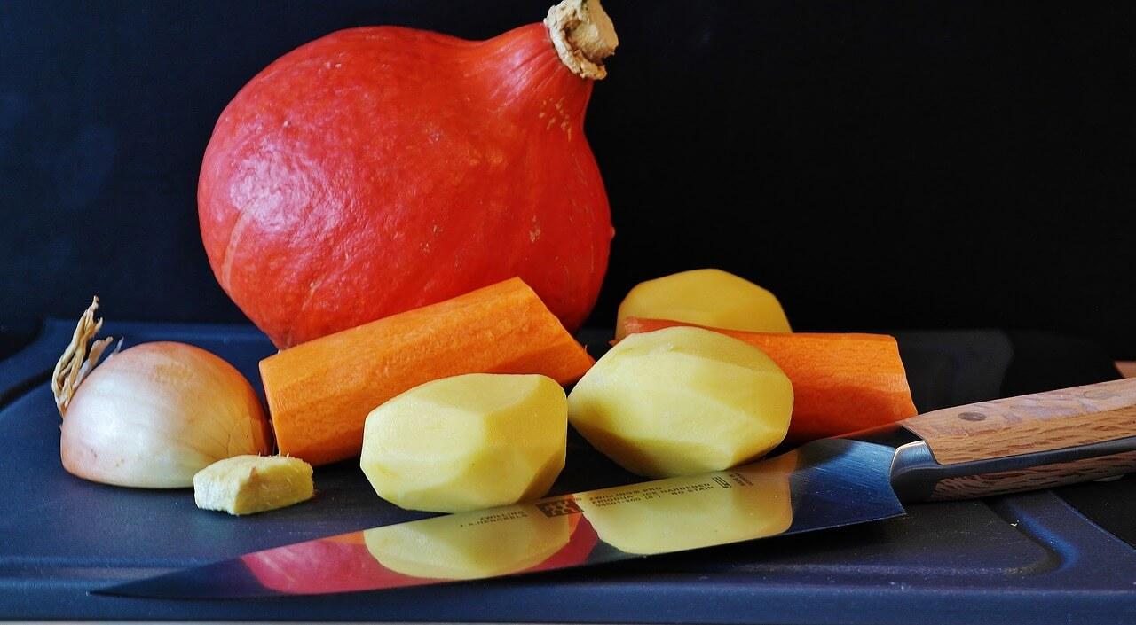 Kürbis mit Kartoffeln und Karotten
